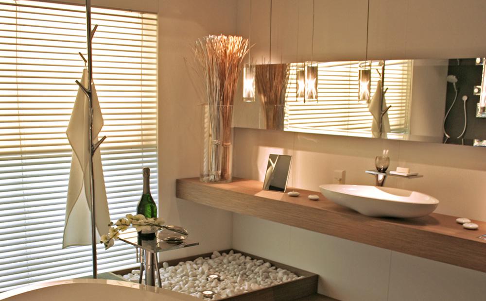 decoracion de baños piedras y madera