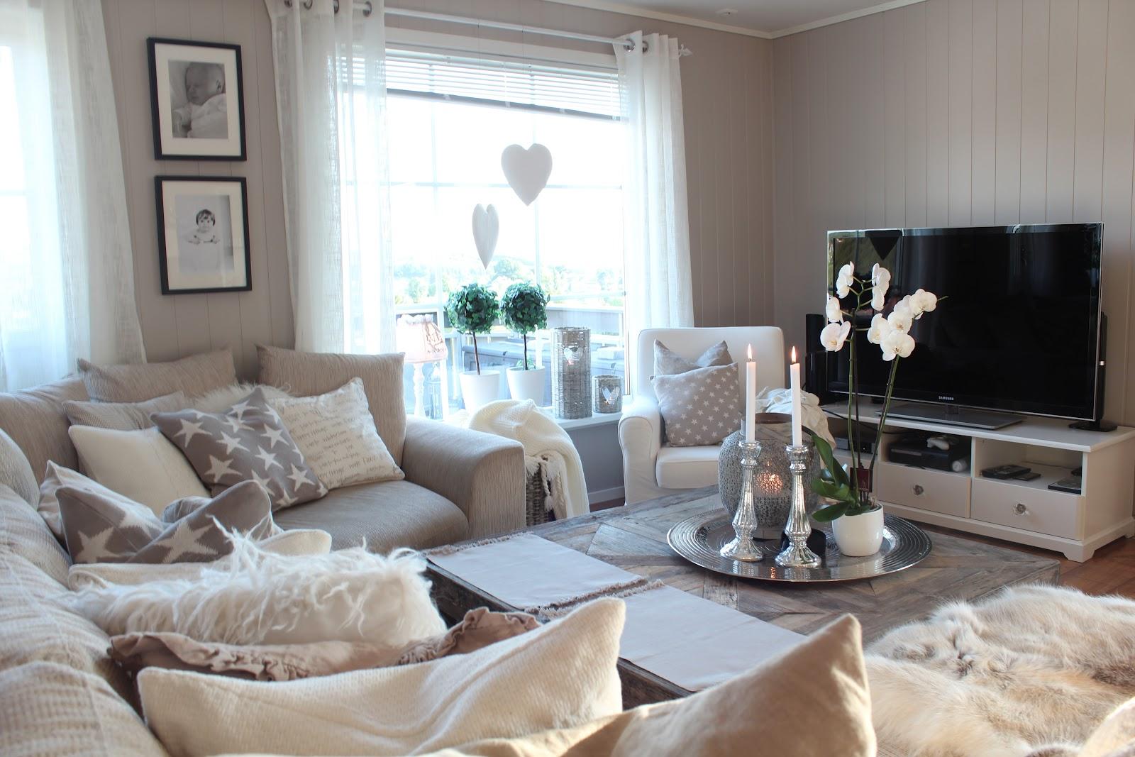 Salon diseo muebles composicion de salon carmen ambientes for Salones vintage baratos