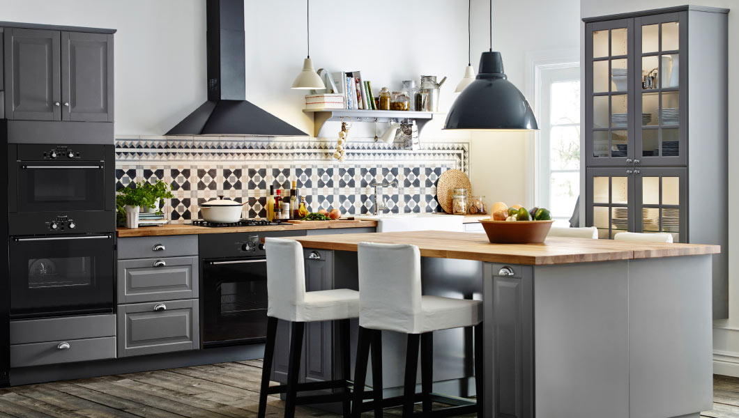 cocina moderna con azulejos rusticos