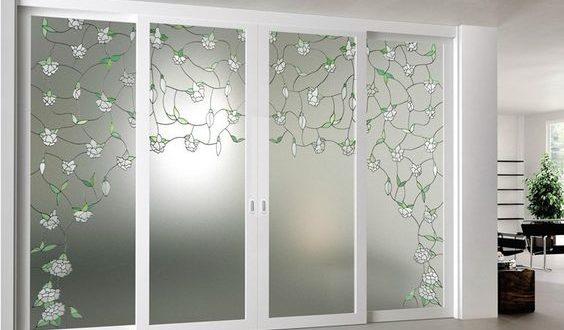 Puertas correderas vidrio decorado hoy lowcost for Vidrios decorados para puertas interiores