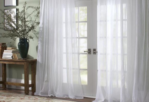 Novedades en dise o de cortinas 2018 hoy lowcost for Cortinas blancas para sala