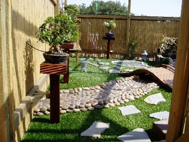 C mo decorar un jard n con estilo feng shui hoy lowcost for Decoracion pared exterior jardin