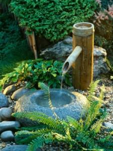 C mo decorar un jard n con estilo feng shui hoy lowcost - Fuentes de jardin de pared ...
