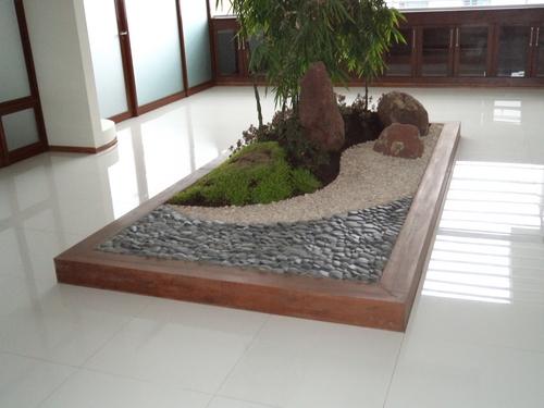 C mo decorar un jard n con estilo feng shui hoy lowcost for Decoracion de jardines y patios con piedras