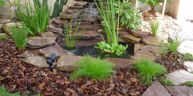 Plantas y agua en jardin feng shui hoy lowcost for Jardines para espacios pequenos