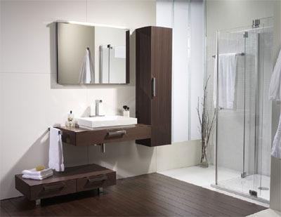 decoracion baño blanco y madera