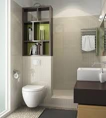 baño pequeño con medios muros