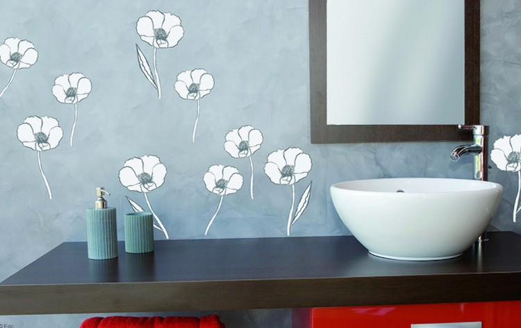 baño pequeño decorado en azul