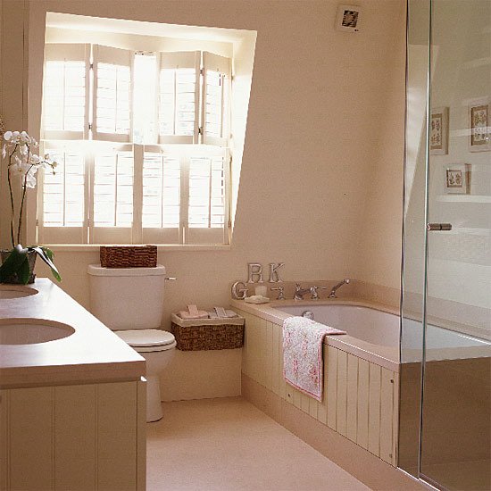 decorar con tonos claros los baños