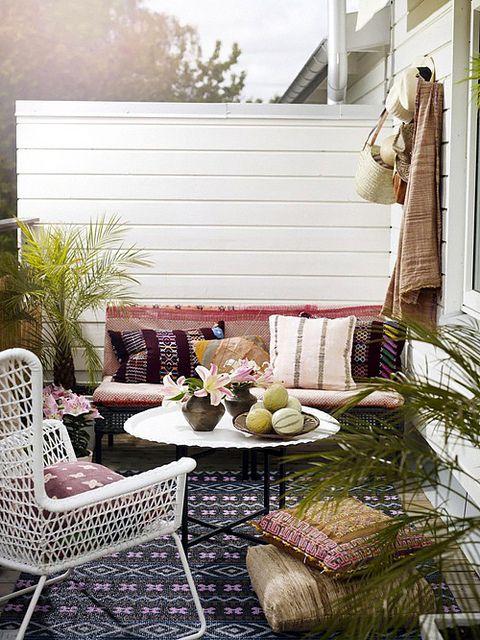 decoracion barata balcones pequeños