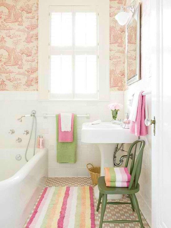 Como decorar un ba o peque o ideas con fotos hoy lowcost - Colocacion de papel pintado ...