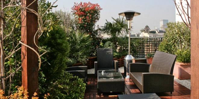 Decoracion terrazas modernas con plantas hoy lowcost for Decoracion de terrazas exteriores con plantas