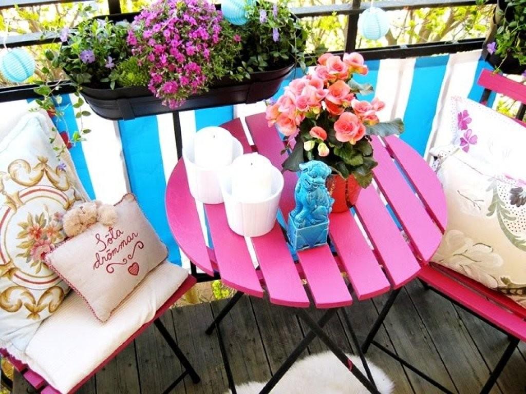 decorar con color un balcon pequeño