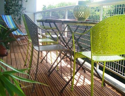 Muebles forja para balcones peque os hoy lowcost - Muebles para balcon pequeno ...