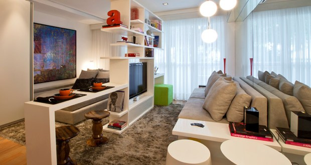Muebles separadores y espejos para espacios peque os hoy for Muebles de salon para pequenos espacios