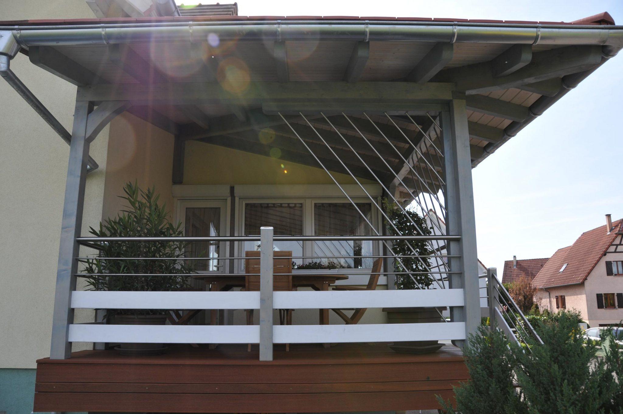 Decoraci n de terrazas y balcones ideas originales hoy for Modelo de casa con terraza