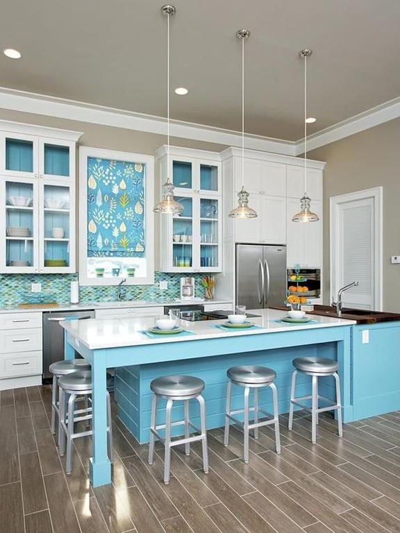 debemos informarnos previamente de la calidad y de los materiales pues sera un error enorme colocar una cocina moderna pequea con