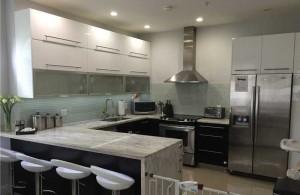 Cocinas modernas peque as hoy lowcost for Aplicacion para diseno de cocinas