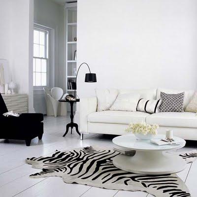 decoracion sala pequeña en blanco