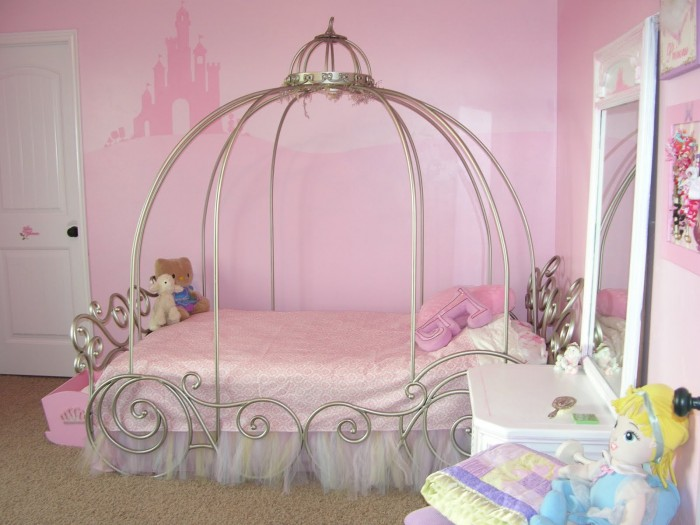 diseño cama para niña cenicienta
