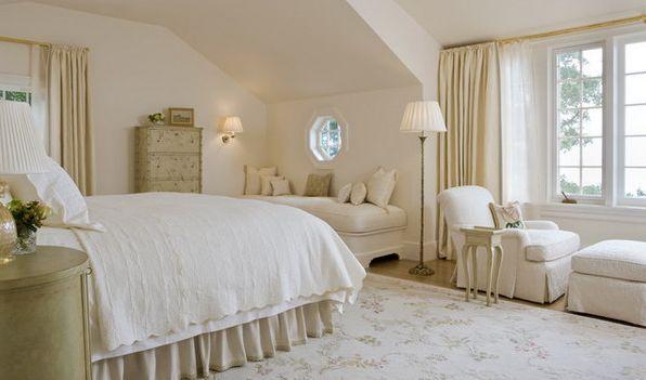 dormitorio pequeño matrimonio en blanco