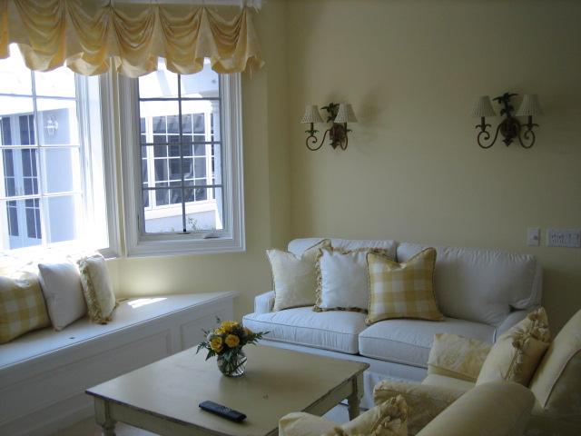 salon pequeño en color blanco