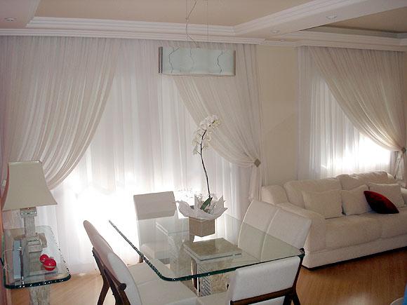 Tipos de cortinas modernas m s elegantes hoy lowcost for Modelos de cortinas para salon