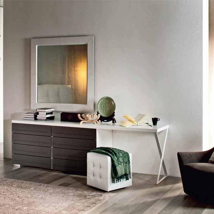 Dormitorios de matrimonio con mesas de estudio hoy lowcost - Scrivania camera da letto ...