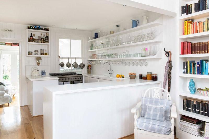 Dise os de cocinas peque as en 2018 ideas y consejos for Estantes para cocina pequena