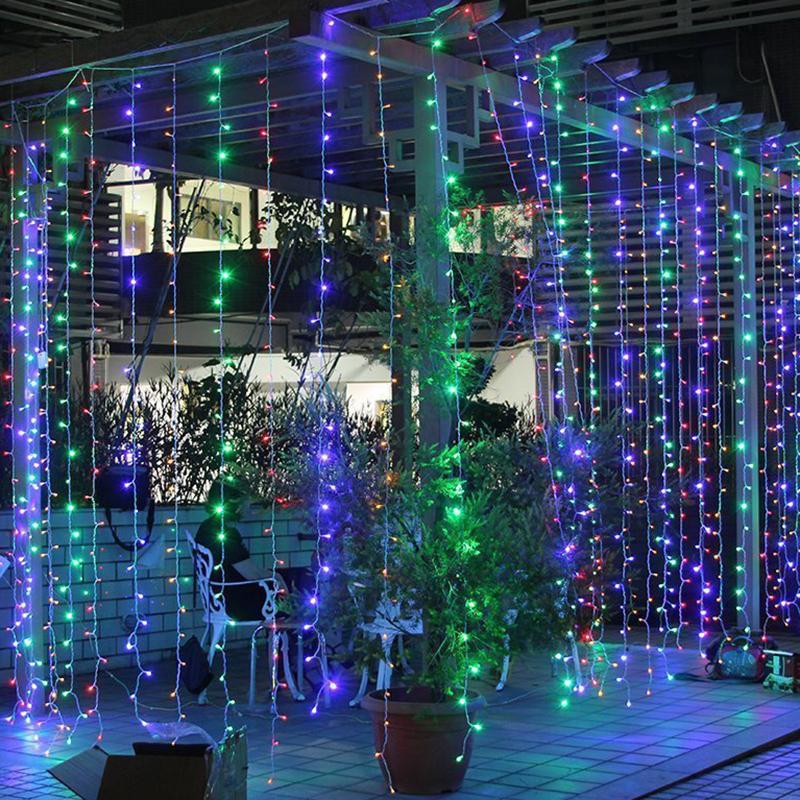 Ideas para decorar cortinas en navidad 2016 for Adornos navidenos para exteriores