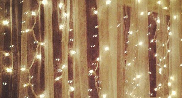 Decorar cortinas de luces navidad hoy lowcost for Cortina de luces