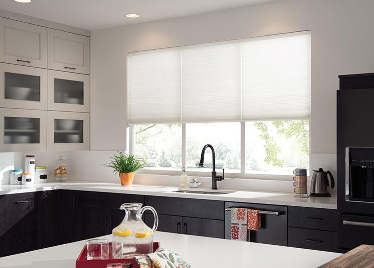 Como elegir las cortinas de cocina 2018 hoy lowcost for Estores cocina modernos