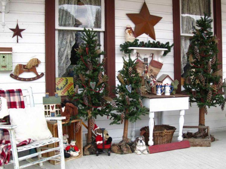Porche navideño decorado