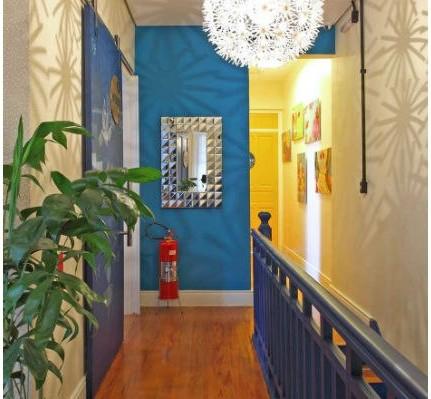 Combinacion colores paredes pasillos hoy lowcost - Decoracion de paredes de pasillos ...