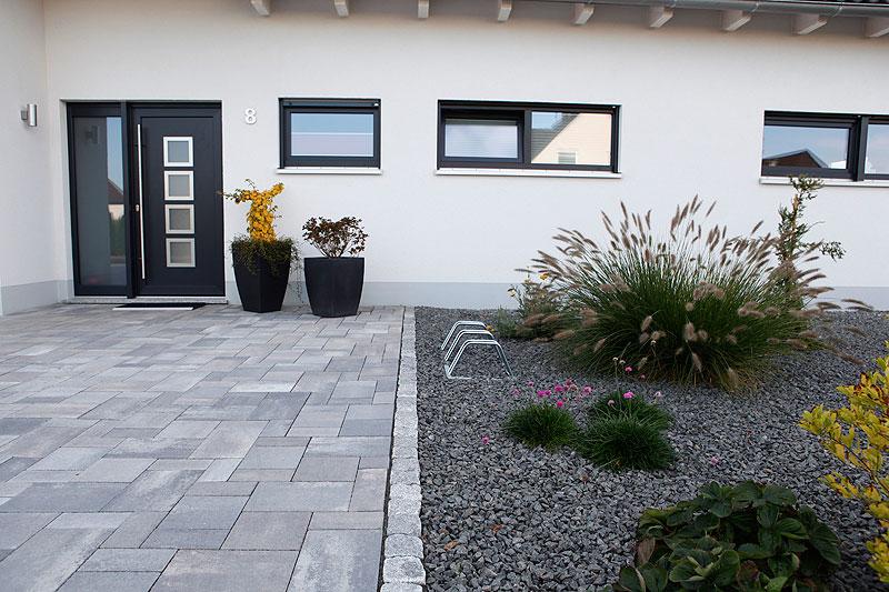 Dise o de jardines 6 pasos fundamentales hoy lowcost - Como decorar jardines con piedras ...