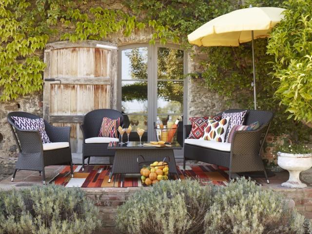Dise o de jardines 6 pasos fundamentales hoy lowcost for Muebles para patios interiores