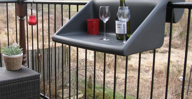 Idea mesas terrazas peque as hoy lowcost for Mesas para terrazas pequenas