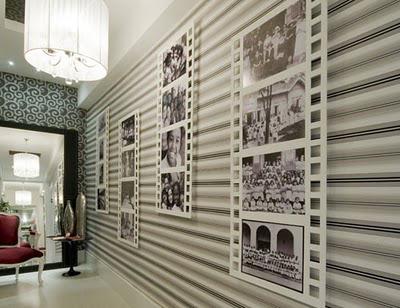 pasillo con papel pintado