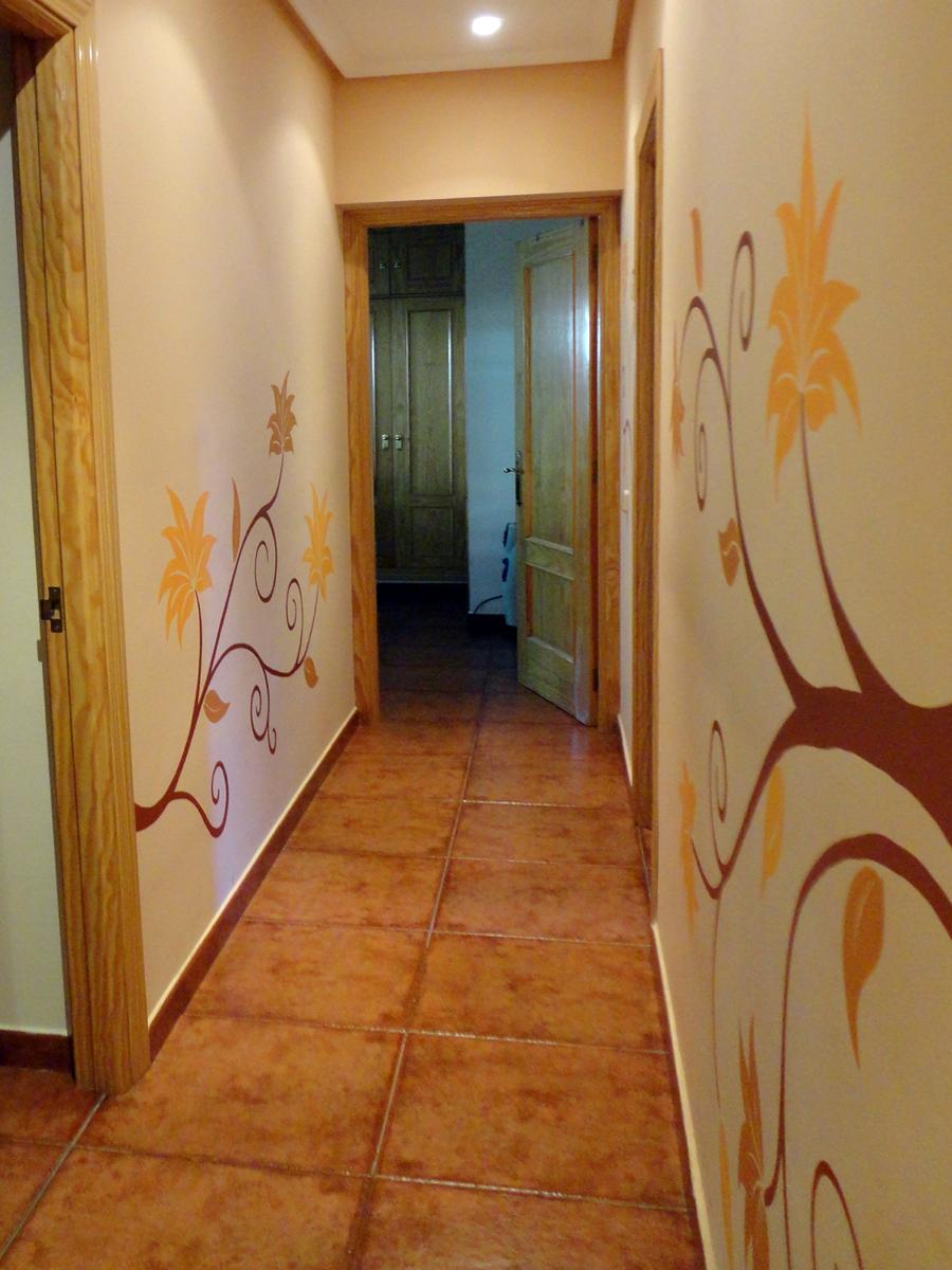 Pasillos con vinilos hoy lowcost for Escuela de decoracion de interiores