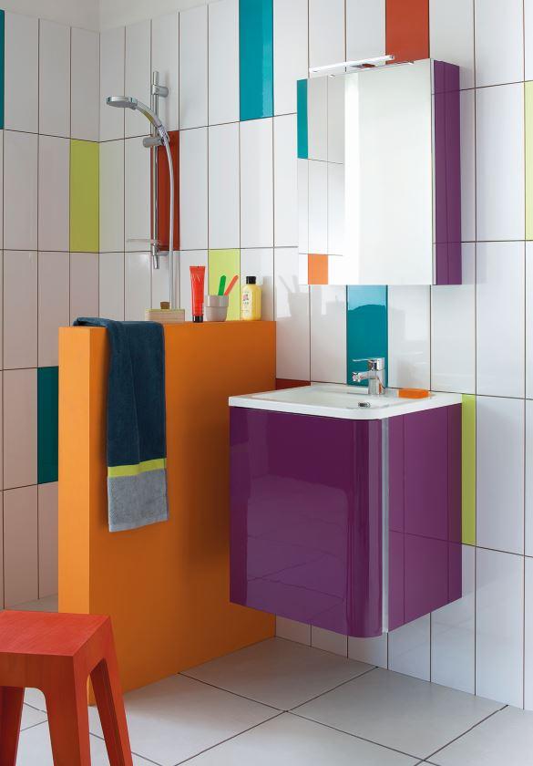 alegres baños decoracion colores