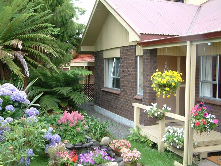 decoracion jardines pequeños moderno