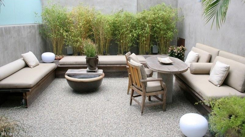 Decoraci n de jardines tendencias para 2018 hoy lowcost for Decoracion patios pequenos modernos