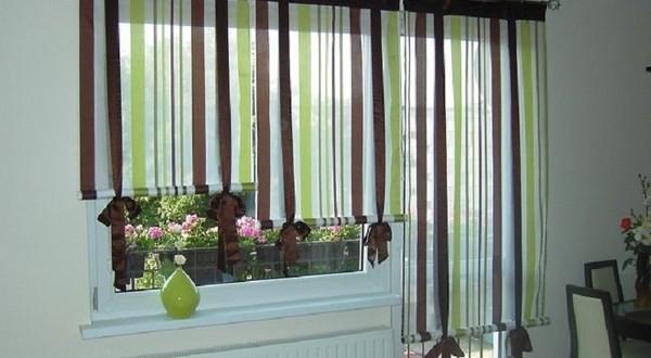 Estores modernos rayas hoy lowcost for Cortinas y estores modernos