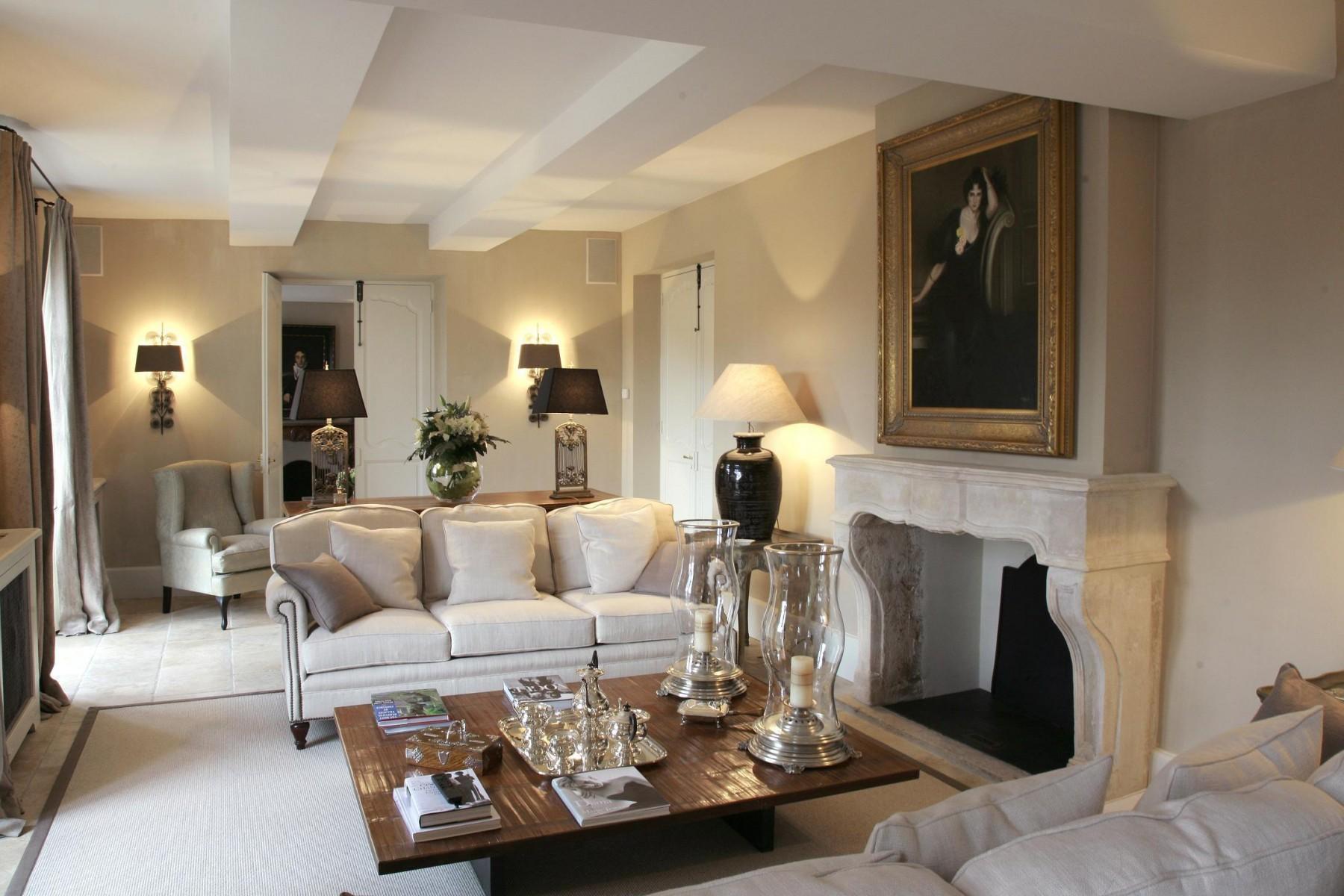 10 trucos para crear casas lujosas con poco dinero hoy Casas modernas interiores decoracion