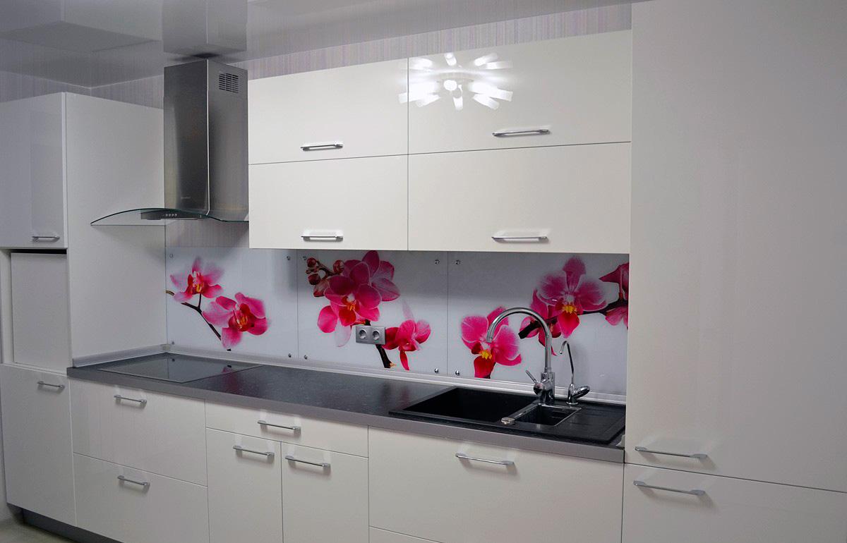 Cocinas blancas siempre en tendencia hoy lowcost - Azulejos cocina blanco brillo ...