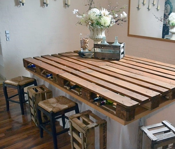 101 ideas de decoracion con palets hoy lowcost for Mesas y sillas para bodegas