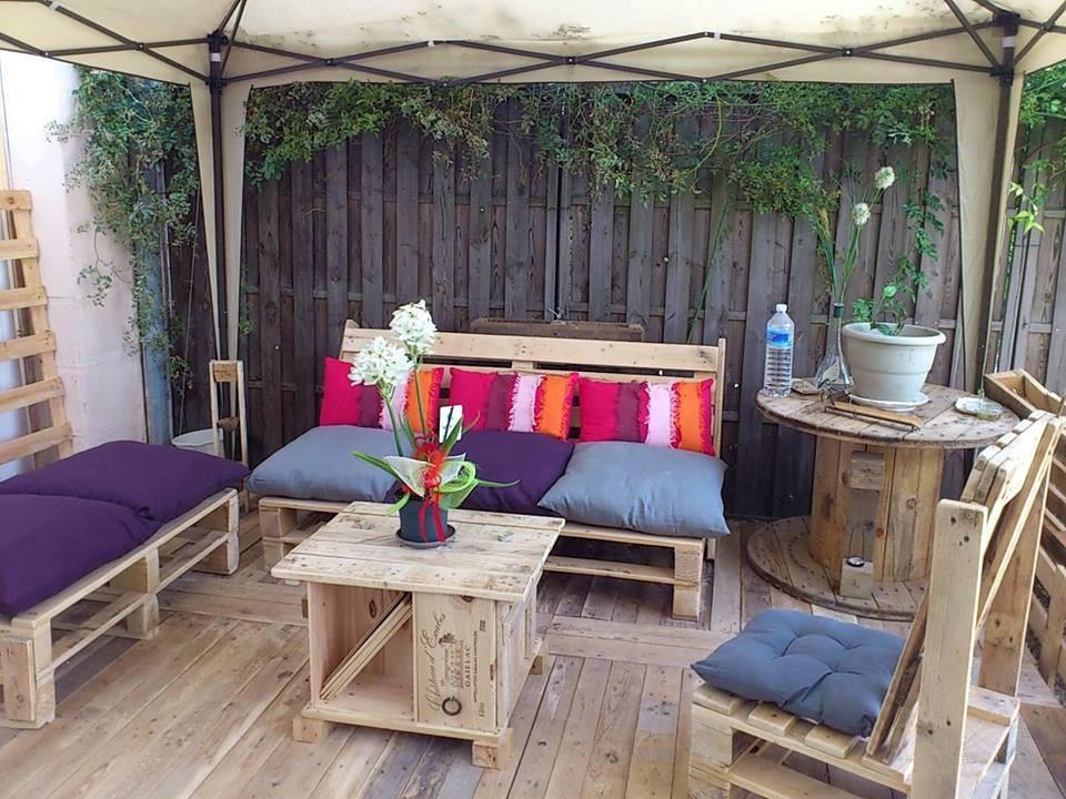 101 ideas de decoracion con palets hoy lowcost for Muebles terraza palets