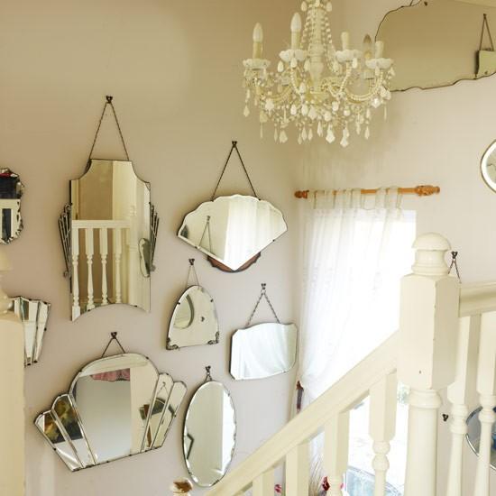 decoracion pasillo con luz y espejos