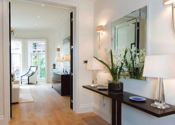 Decoraci n pasillos y recibidores consejos de iluminaci n for Mesas recibidores modernos