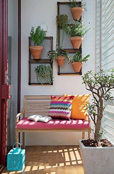como decorar terrazas con jardines verticales